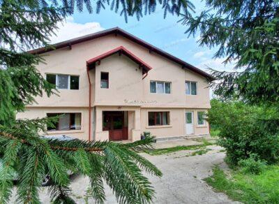 Vila cu 11 camere de Vanzare in Breaza, zona Podul Vadului